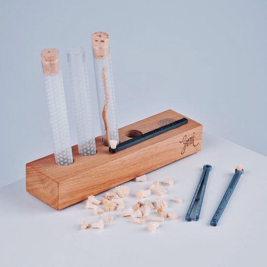 Rawtoothbrush , stojánek a pouzdro z českého skla